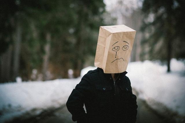 Він не заслуговує навіть моєї образи, і тому я охоче прощаю його…