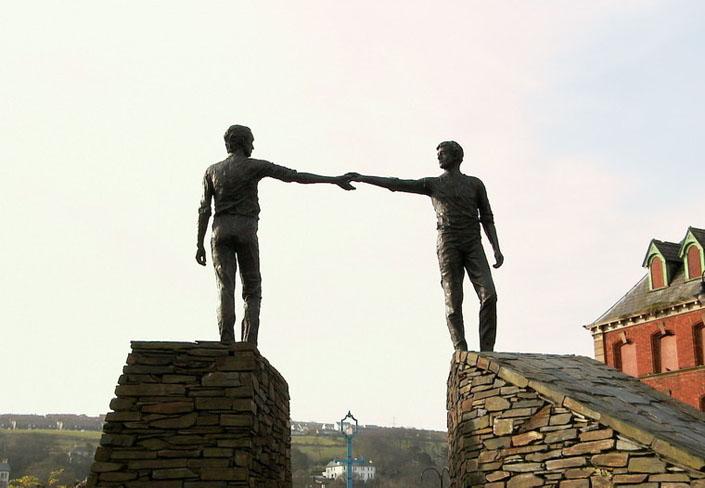 Прощення і примирення: у чому різниця?