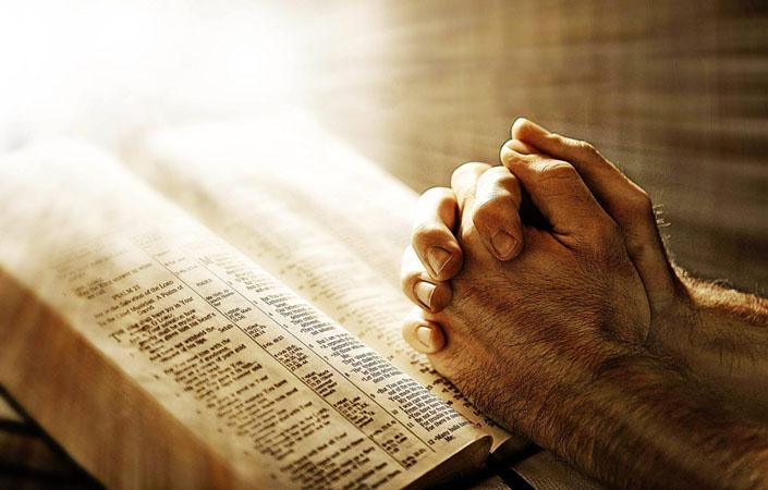 Євангеліє просто бере мене за руку і піднімає на висоту, якої не досягти