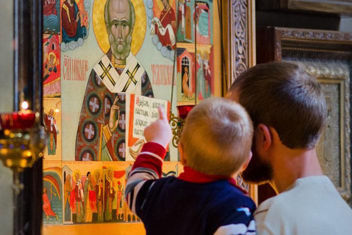 У церкві дитина чує красиві слова, а вдома вирують пристрасті