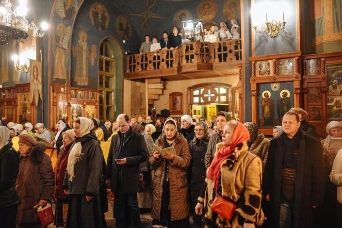 Православний, церковний, обстріляний